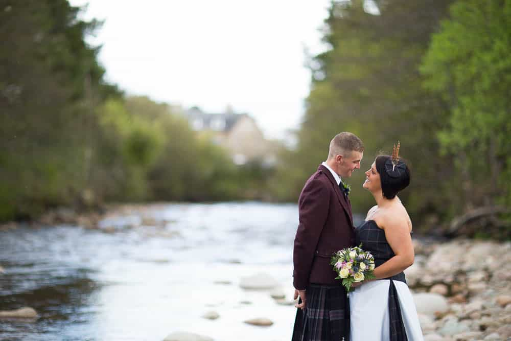 23 newlywed on river dulain carrbridge